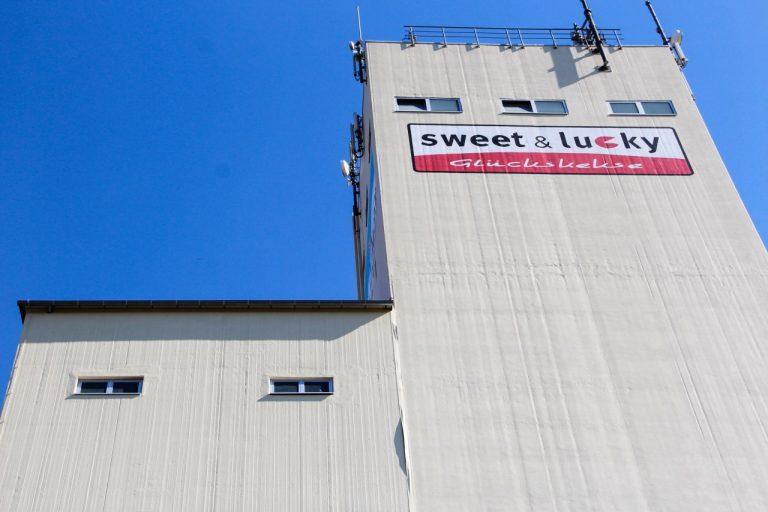 Silo di grano pieno di grano da Gondelsheim - Germania/Germany.